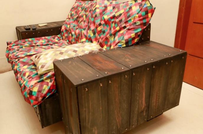 Projeto utiliza paletes e resíduos de madeiras na produção de móveis